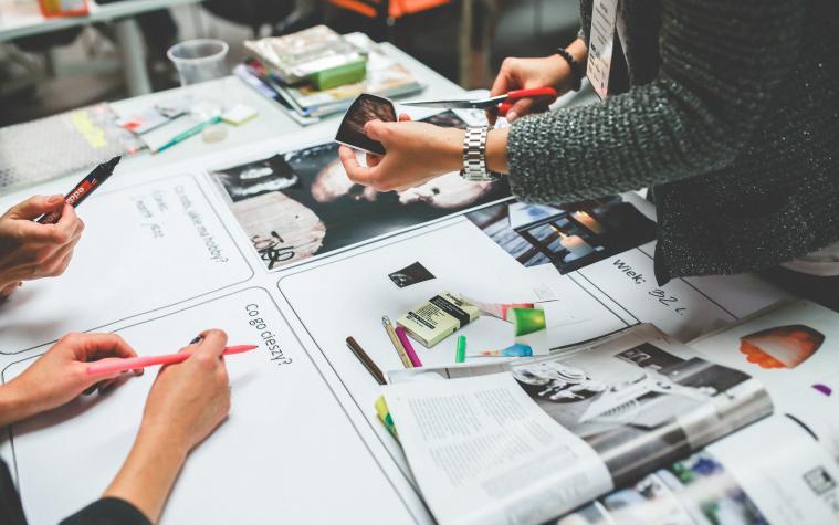 Sering Dengar Istilah Desain Grafis? Cari Tahu Pengertiannya di Sini, Yuk!
